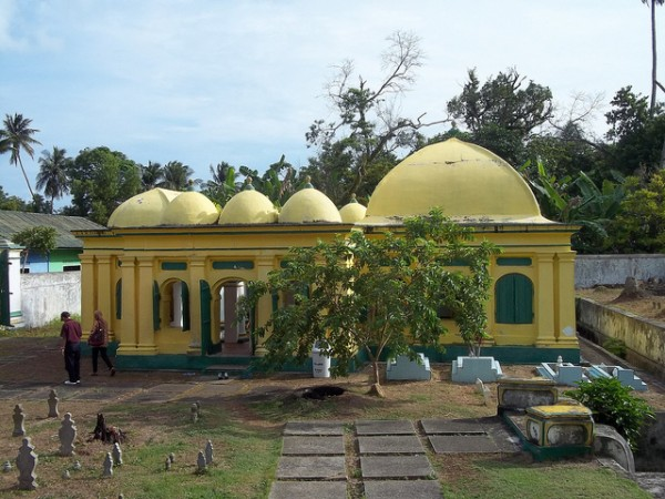 The tombs of two Riau kings