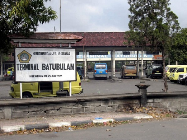Batubulan bus station
